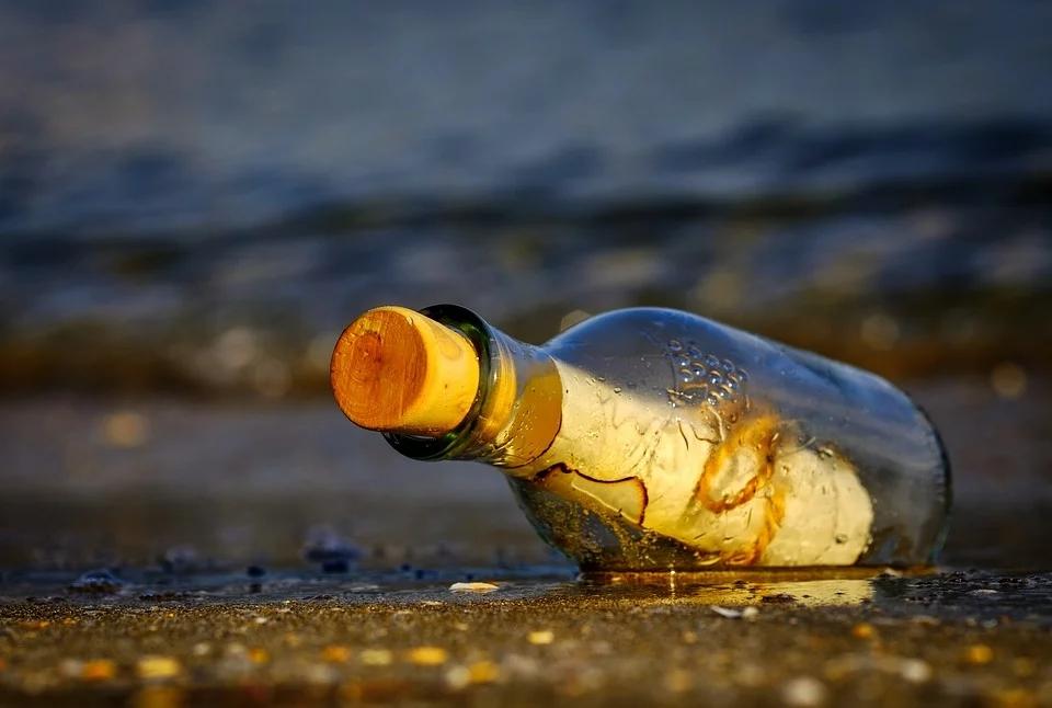 message-in-a-bottle-3437294_960_720.webp.jpg