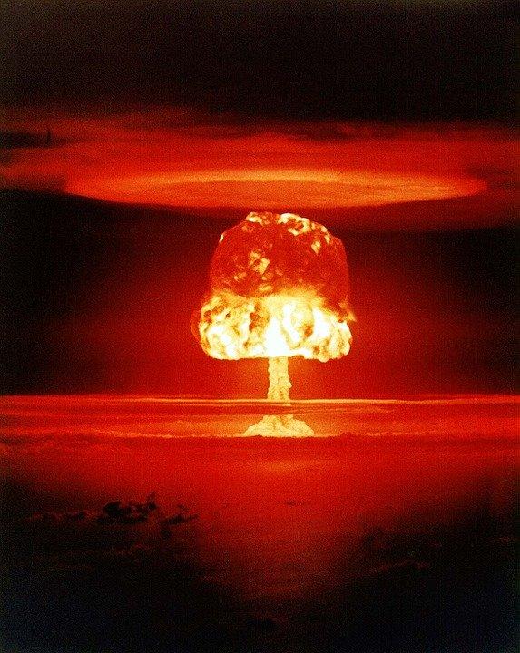 atomic-bomb-1011738_960_720.jpg